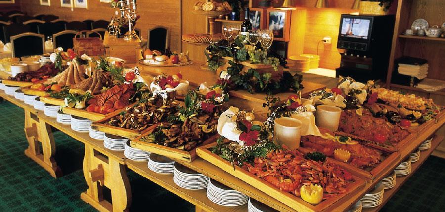 Brakanes Hotel, Ulvik, Norway - Restaurant offering buffet dinner.jpg